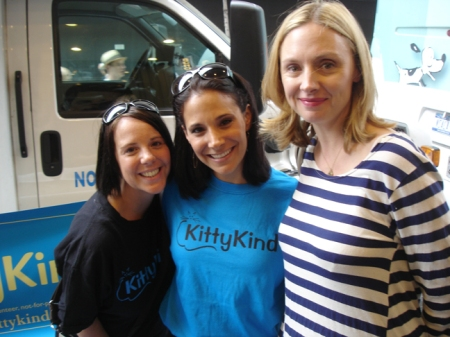 KittyKind Volunteers Katie and Josey with Hope Davis